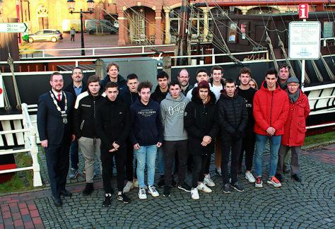 Papenburg heißt französische Austauschschüler willkommen