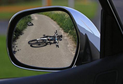 Radfahrer in Nordhorn verletzt - Autofahrer flieht vom Unfallort