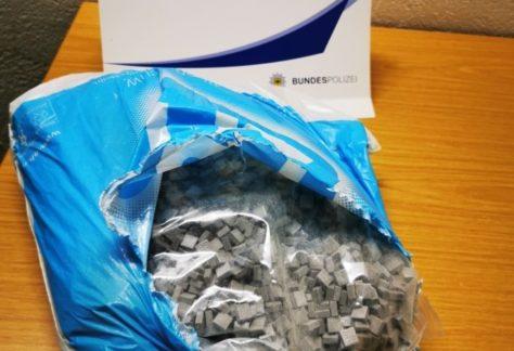 Vier Kilo Ecstasy in Gepäck von Reisenden gefunden