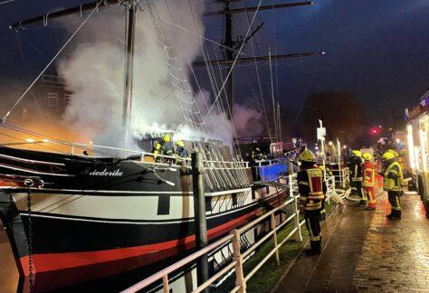 Große Spendenbereitschaft für ausgebrannte Brigg 'Friederike von Papenburg'