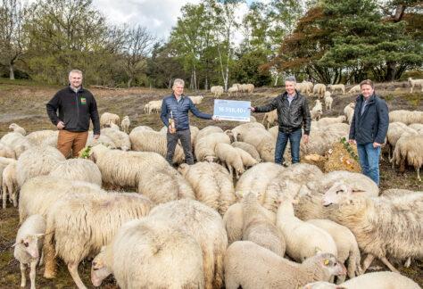 Naturschutzstiftung Grafschaft Bentheim erhält Spendenscheck